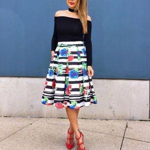 👗 🎉🎉 HP 🎉🎉 Striped floral midi skirt 👗